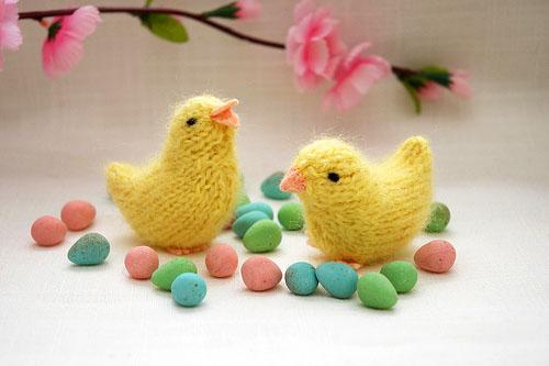 Пасхальный цыпленок спицами описание вязания