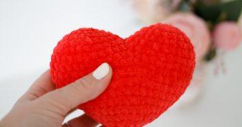 сердце связанное крючком