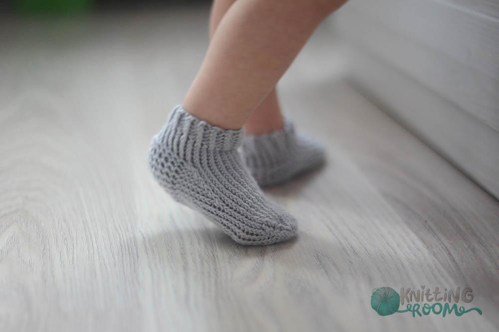 описание вязания детских носков
