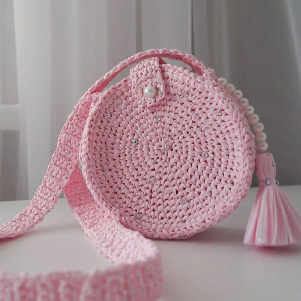 детская сумочка крючком из рафии