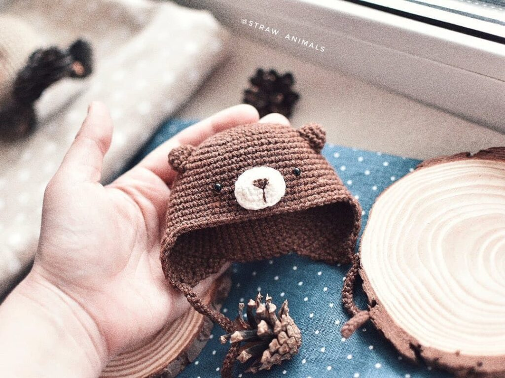 шапка амигуруми для игрушки в виде медвежонка